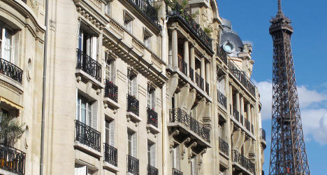 Foreigners snap up Paris homes as French exit