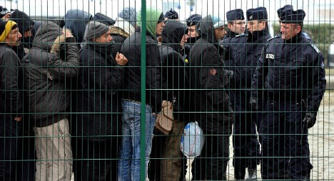 London to help France pay for Calais migrants