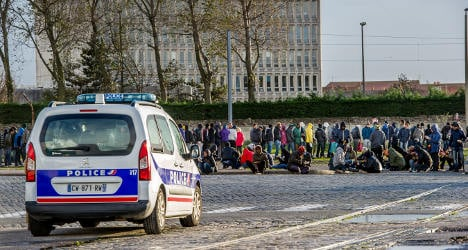 France sends more cops to quell migrant unrest