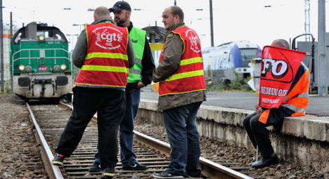 Metro and Train strike set for Tuesday in France