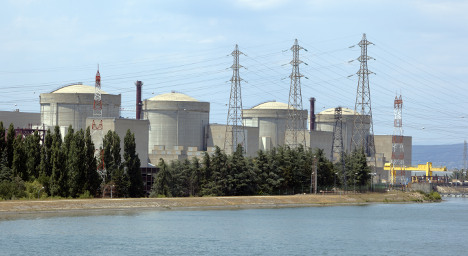 France to cut reliance on nuclear power by 2025