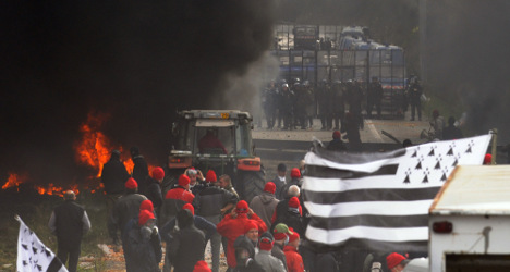Anger as France ditches 'ecotax' on lorries