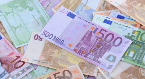 France tries to collect €10k from fatherless girl