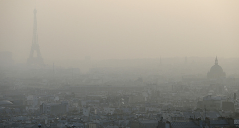 Paris pollution: 'Like a room with eight smokers'
