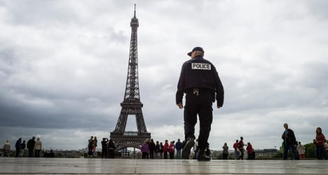 Paris sees fall in crime against tourists