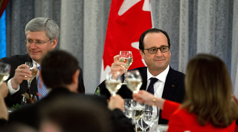 Hollande calls on Canada to fight climate change