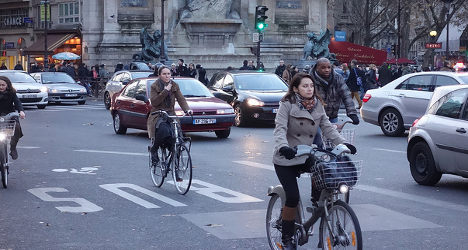 France plans crackdown on rogue cyclists