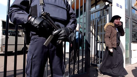 France to deploy 5,000 police to Jewish schools