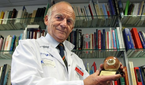 France's artificial heart man is 'alive and well'