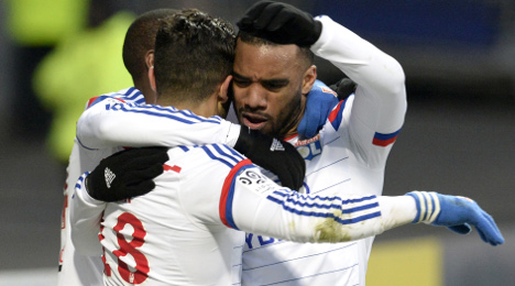 Lyon move ahead of PSG as Marseille slip up