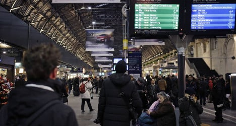 Paris trains run again after WWII bomb defused