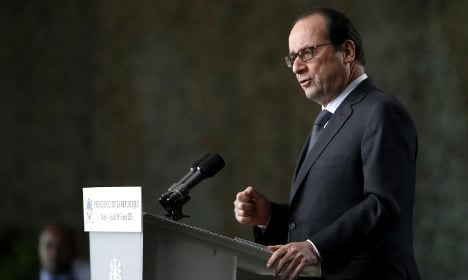 Hollande stresses need for nuclear deterrent