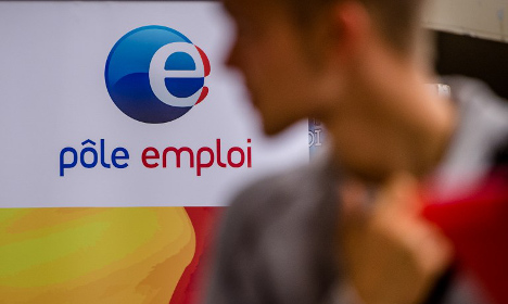 French job seeker given 26,000 years to pay €3k
