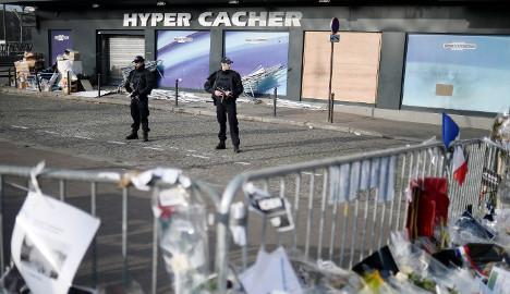Paris: Jewish store to reopen after terror attack