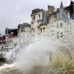 French coast readies for 'tide of the century'