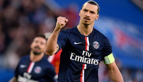 Lyon and PSG both win as title fight heats up