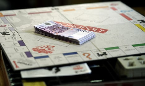 French mum collects real Monopoly jackpot