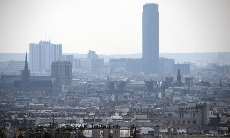 France looks abroad to find blame for smog
