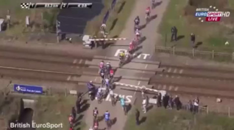 VIDEO: SNCF sues after TGV nearly hits riders