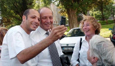 French minister holds on to crown of Twitter king