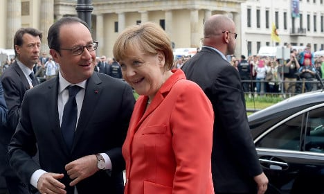 Hollande and Merkel join forces for climate deal