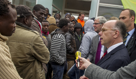 France tells migrants 'forget UK and stay here'