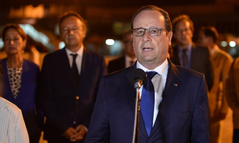 Hollande calls for end to US embargo on Cuba