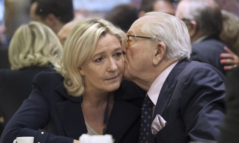 Le Pen senior suspended from National Front