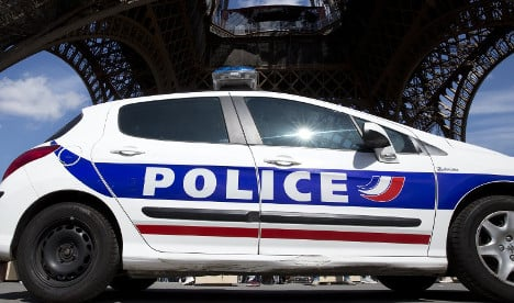 Paris police bust Eiffel Tower pickpocket ring