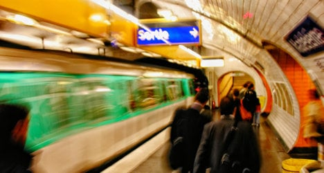 How to avoid the Paris Metro pickpockets
