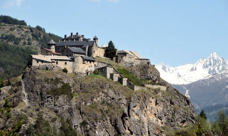 €3m French fort for sale on classified ads site