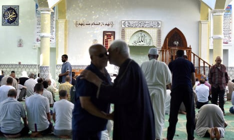 France says 40 imams deported for hate speech