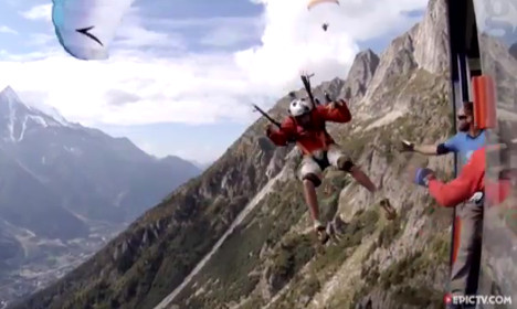 Paraglider flies into French Alps cable car