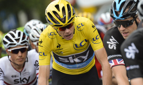 Britain's Froome to battle curse of the yellow jersey