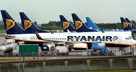Ryanair takes on French air traffic controllers