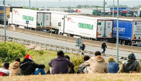 Eurotunnel seeks €10m to cover migrant disorder