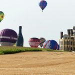 Hot air balloons in world record flight in France