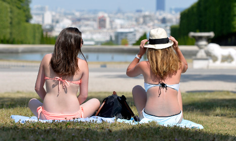 Paris opens parks 24h a day so locals can cool off