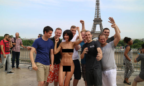 Artist arrested for naked Eiffel Tower selfies