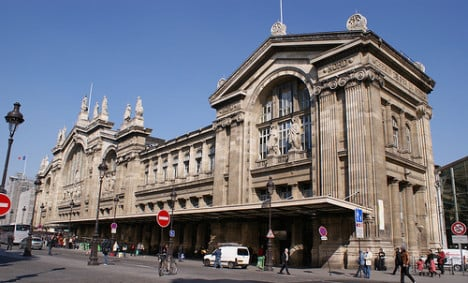 Migrant electrocuted on Eurostar train in Paris