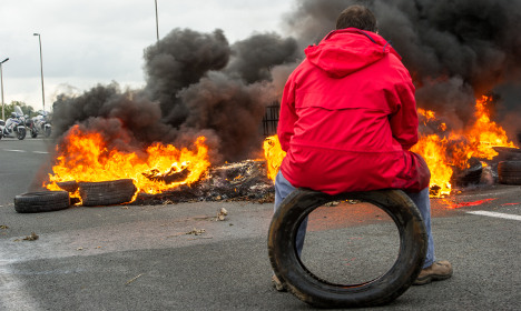 Calais: French strikers threaten to up the ante