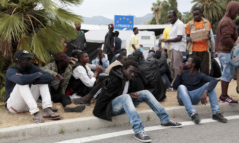 Frenchman caught with nine migrants in his car