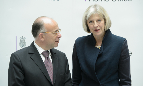 France and Britain to sign Calais migrant deal