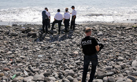 MH370: 'Seat and window parts' found on Réunion