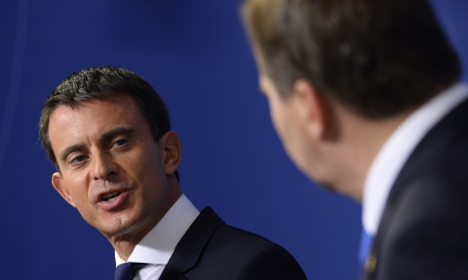Valls blasts Hungary's approach to refugees