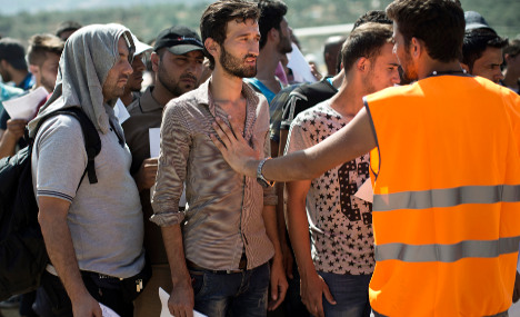 France to insist on refugee control centres