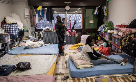 France: 96 percent of asylum rejects stay