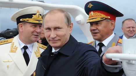 Putin to Russian navy: treat France as ally