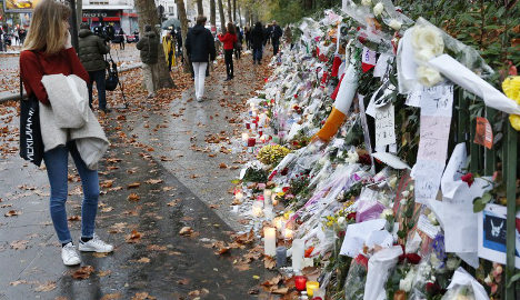 Paris to archive tributes left after terror attacks