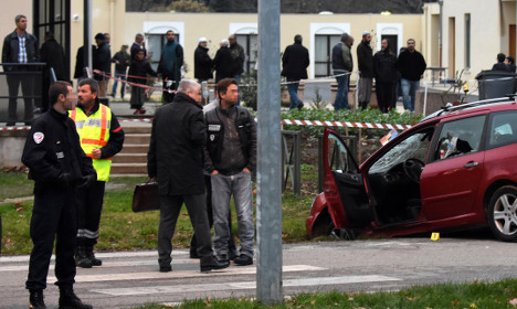 French soldiers shoot car attacker at mosque